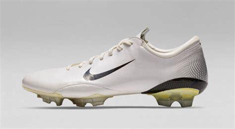 nike vapor football shoes in detail nike mercurial vapor iii 2006 football boots