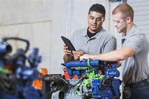 Auto Techs How Much Does An Auto Mechanic Make Career