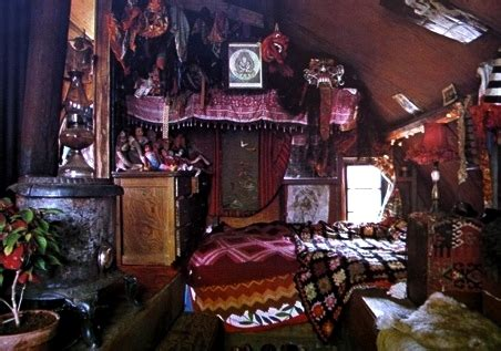 wiccan home decor decorating ideas witch room recherche google on we heart it