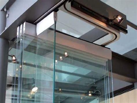 vetrate scorrevoli per terrazze vetrate pieghevoli impacchettabili a libro chiusure esterne
