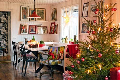 casa addobbata per natale sala da pranzo scandinava addobbata per natale