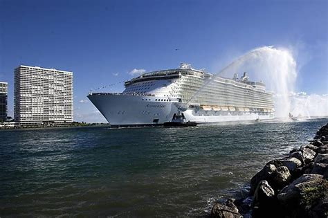 biggest cruise ships in the world in order will the biggest cruise ship ever built change cruising