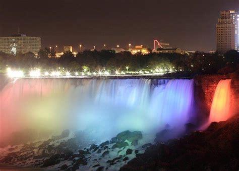 Spectacular Canada Northern Lights Holiday Save Up To 60 Lights Niagara Falls