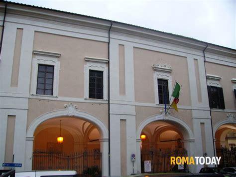 comune di albano laziale ufficio anagrafe albano laziale furto in comune arrestato 22enne