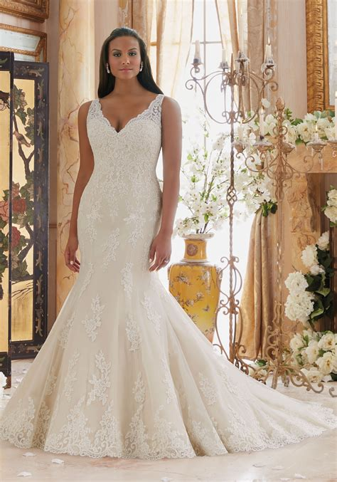 Plus Size Wedding Dresses On Plus Size Models by Plus Size Wedding Dress With Lace Appliques On Tulle