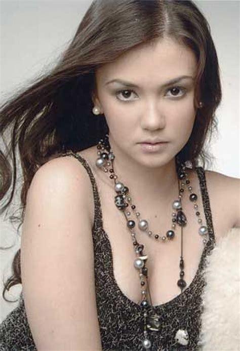 angelica panganiban bench filipina actress angelica panganiban photo gallery and videos