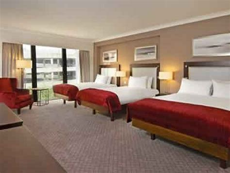 family room hotel gatwick airport hotels with family rooms for up to 5 people