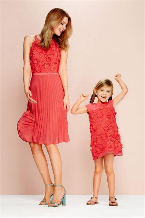 kleding communie mama steps girls collectie matchende jurken voor moeder en dochter