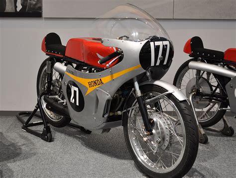 125 Motorrad Wikipedia by Honda 125 Cc Viertaktracers Wikipedia Motor Race