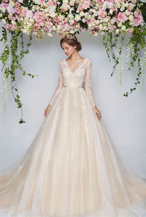 Pretty Gowns For Weddings by Best 25 Muslim Wedding Dresses Ideas On