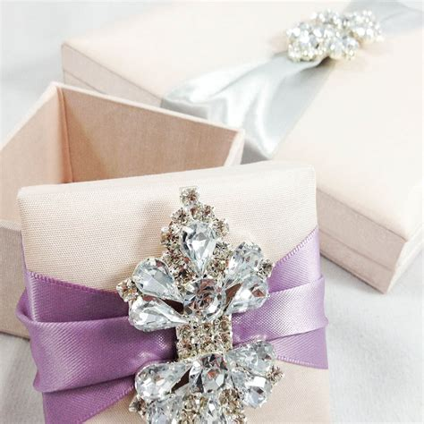 wedding favors boxes blush pink wedding favor box with lavender ribbon brooch