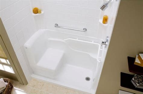home depot walk in bathtub the home depot walk in tubs seniortubs com