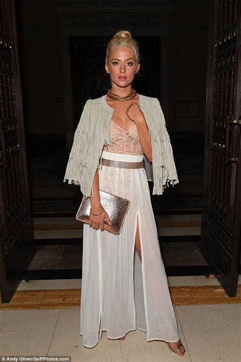 Maxi Shofia Mol stuns in a sheer lace top at david ferreira s fashion week show daily mail