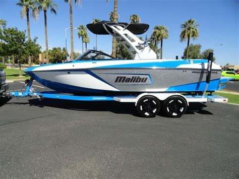 malibu boats vs mastercraft 2018 malibu 23 lsv power boat for sale www yachtworld