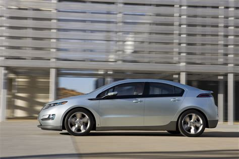 Tesla Model S Vs Chevy Volt Chevy Volt Vs Tesla Model S Lexus Is Forum