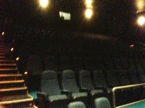 cineplex in ottawa cineplex odeon barrhaven cinema ottawa on reviews