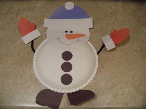 Snowman Paper Plate Craft - paper plate snowman kindergarten