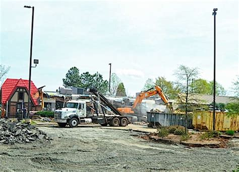chick fil a dwarf house newnan dwarf house demolition end of an era the newnan times herald