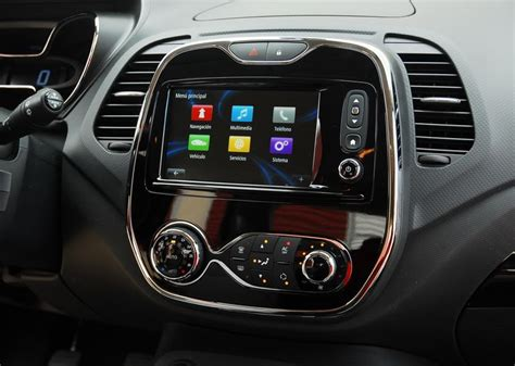 renault captur interior 2016 25 best ideas about renault captur on pinterest renault