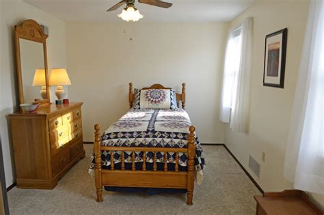 9 x 12 room your new home in plum boro