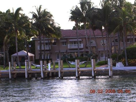 shaqs star island house interior celebrity home rhymes with snitch celebrity and entertainment news