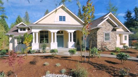 craftsman style single story house plans usually include a