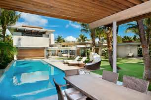 Dream House Design Inside And Outside by Home And Furniture Gallery Hawaiian Tropical House Design