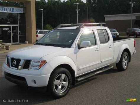 white nissan frontier 2007 avalanche white nissan frontier le crew cab 15062784