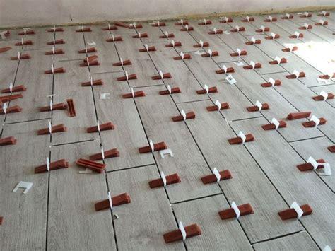 messa in opera piastrelle posa in opera mattonelle tipi di mattonelle come