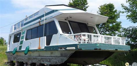 house boats for sale canada 43 foot three buoys houseboat for sale in the lindsay area northeast of toronto