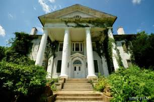 House Virginia by 11 Creepy Houses In Virginia That Could Be Haunted