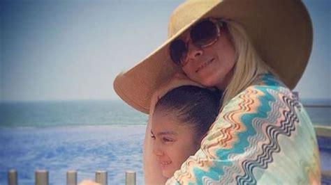 madre hot comparte el novio de su hija mejor conjunto de frases la hija de esta famosa cantante es adoptada pero ella es