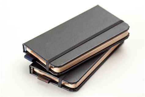 libro little black book the the little black book per iphone 5 una custodia fatta a mano a forma di libro rilegato