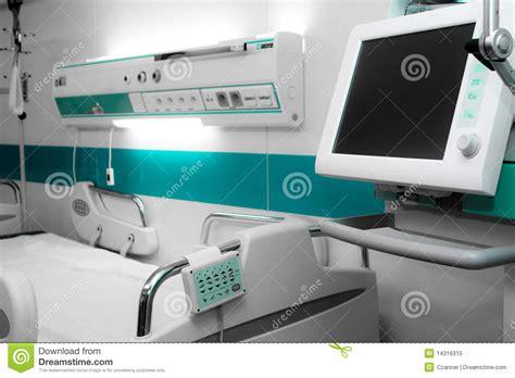 cama hospital website cama de hospital imagem de stock imagem de monitor novo