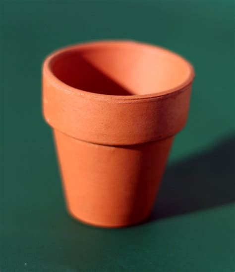 small pots small terra cotta pot