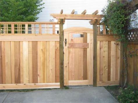craftsman style fence  backyard fences fence
