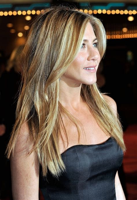 jennifer aniston side bangs jennifer anniston long side bangs long layered hair