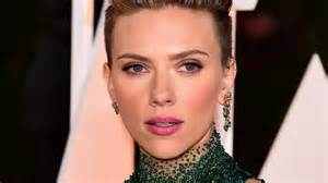johansson eye color johansson black widow spin daily mail