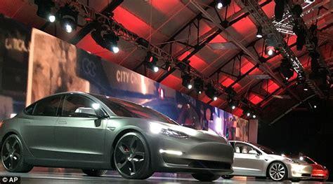 Tesla After Hours Tesla Racks Up 276 000 Model 3 Orders In Three Days As