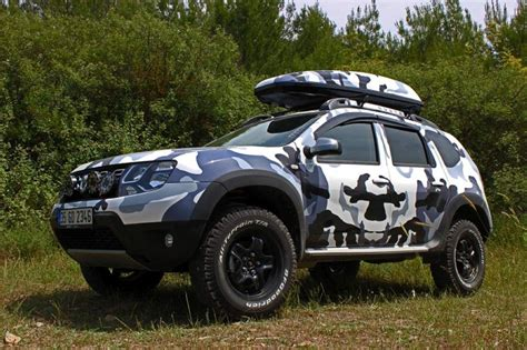 renault duster customized     painted  camouflage color means business