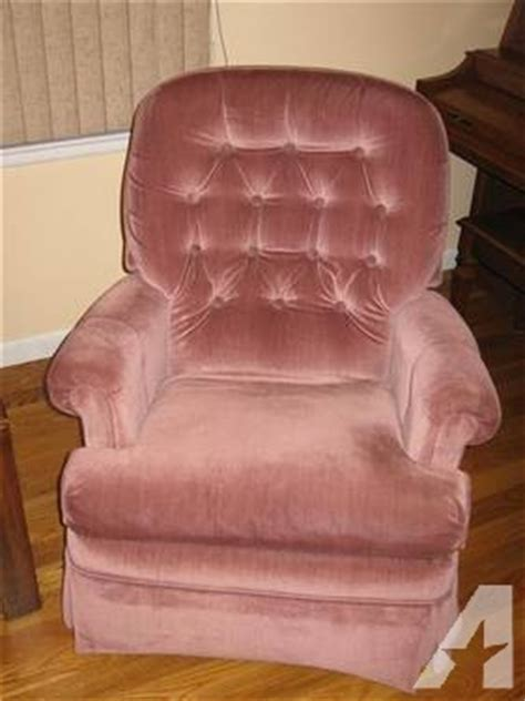 fabric rocker recliner   chairs furniture mauve pink    sale  livingston