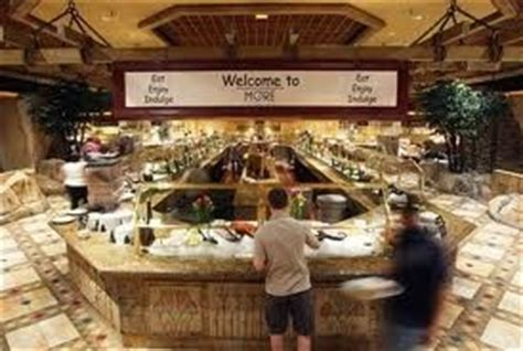 more buffet luxor las vegas vacation spots pinterest