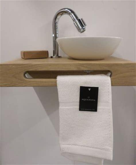 wastafelmeubel voor wc 25 beste idee 235 n over houten wastafel op pinterest
