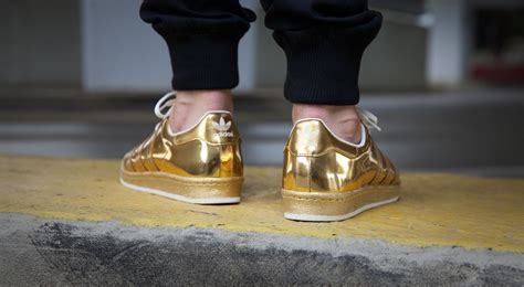 shine    adidas superstar  metallic gold