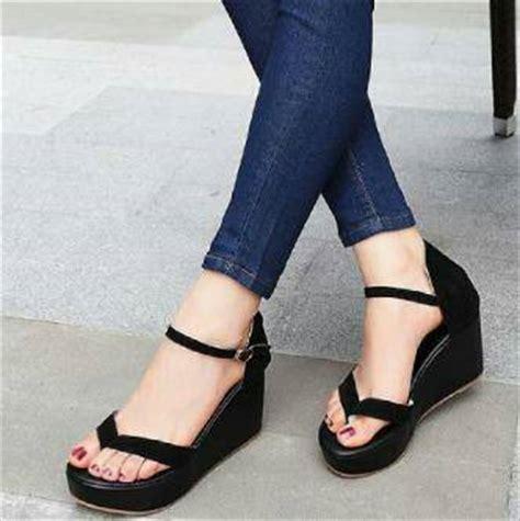 Wedges Jepit Hitam sandal wedges jepit wanita cantik model terbaru murah