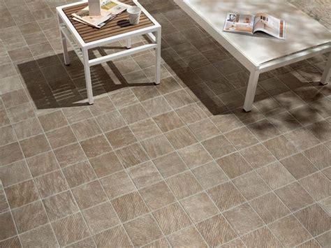 piastrelle sottili prezzi piastrelle antiscivolo per esterni pavimenti esterno