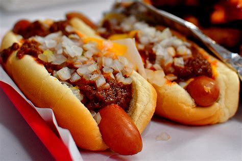 chili cheese dogs pink s dogs los angeles gastronomy
