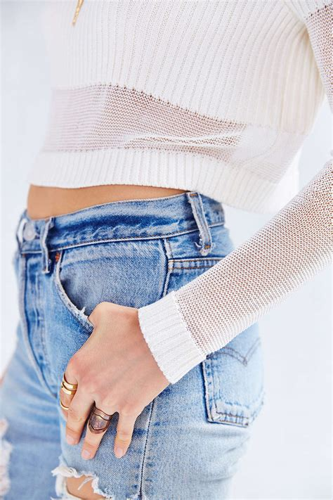 Crop Sweater 1 how to wear cropped sweaters 2018 fashiongum
