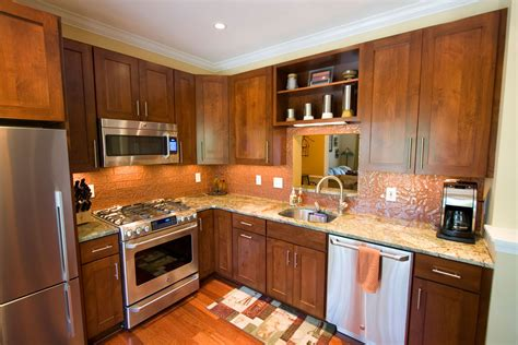 Small Kitchen Design Pictures And Ideas Kitchen Design Ideas And Photos For Small Kitchens And Condo Kitchens Kitchen And Bath Factory