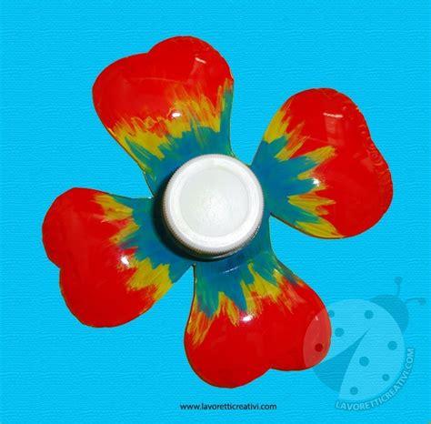 fare fiori con bottiglie di plastica fiore con bottiglia di plastica lavoretti creativi